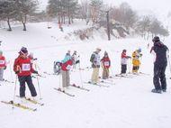 スキー板の履き方