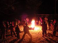 火を囲む楽しさ