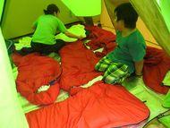 寝袋を並べるとこんな感じです