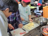 野外炊事(調理開始)